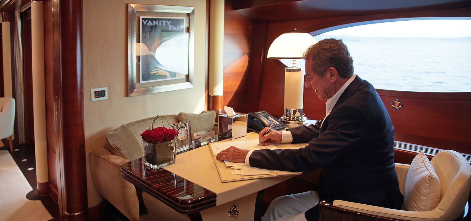 Contact a yacht project manager with Fraser