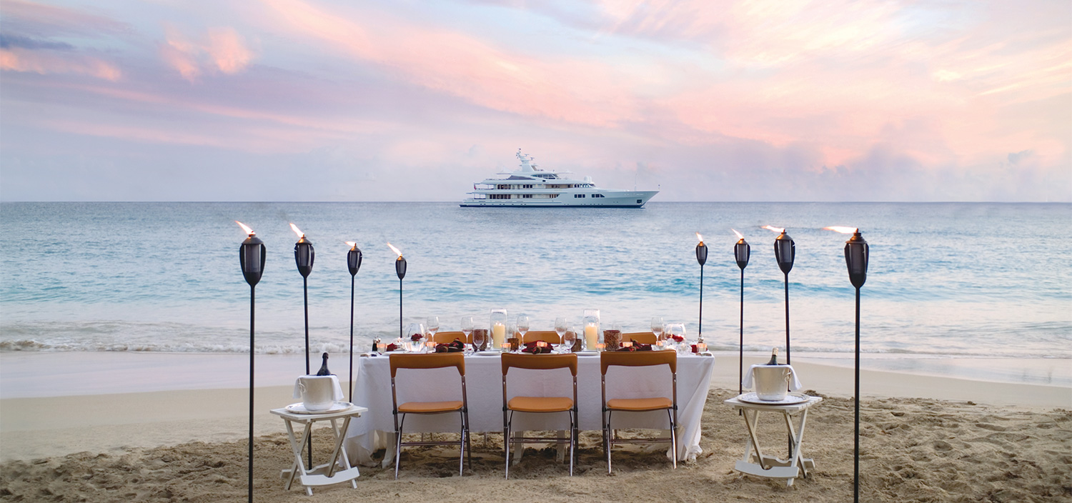 Dinner at sunset from your luxury yacht