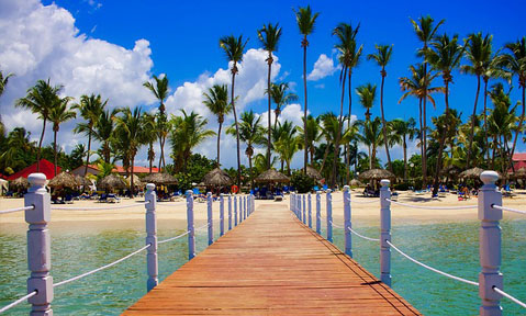 A Dominican Republic yacht charter has stunning walkways into the ocean