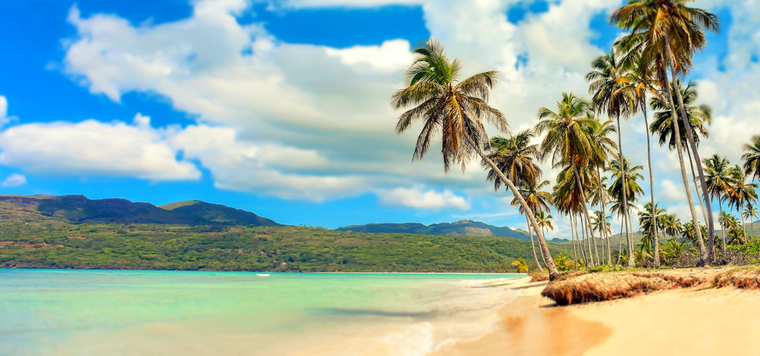 Dominican Republic yacht charters find the best deserted beaches for a Robinson Crusoe experience