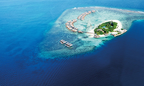 A Maldives yacht charter gives you the opportunity to admire many small exotic islands