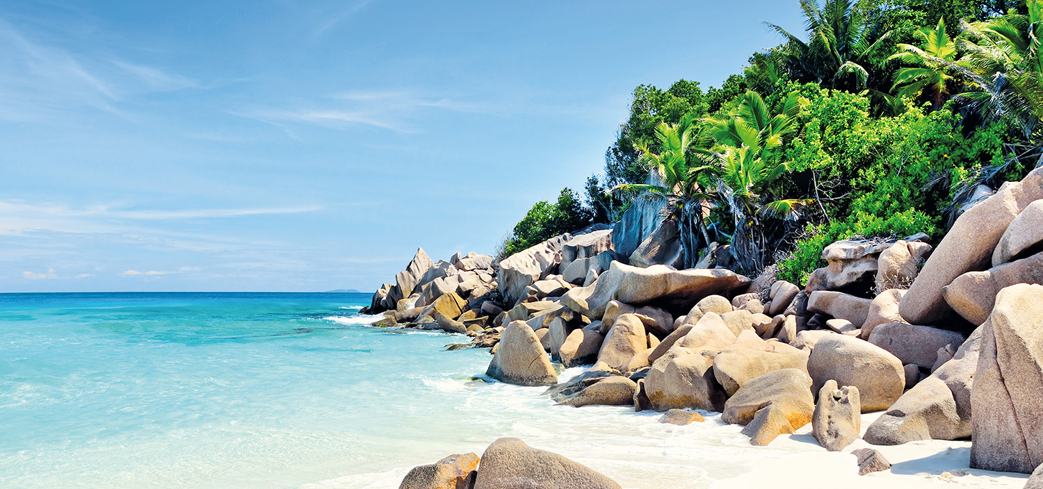 Seychelles yacht charter itinerary. The rocky shores and sadn beaches of the Seychelles to appreciate during a luxury, tropical yacht charter
