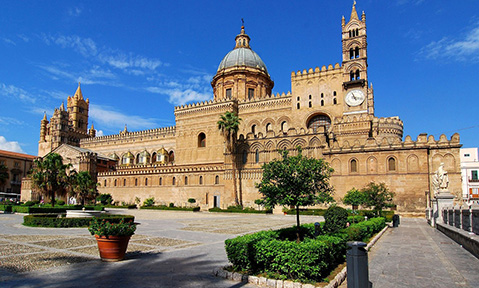 Historic cathedrals and other beautiful buildings adorn town squares on a Sicily yacht charter