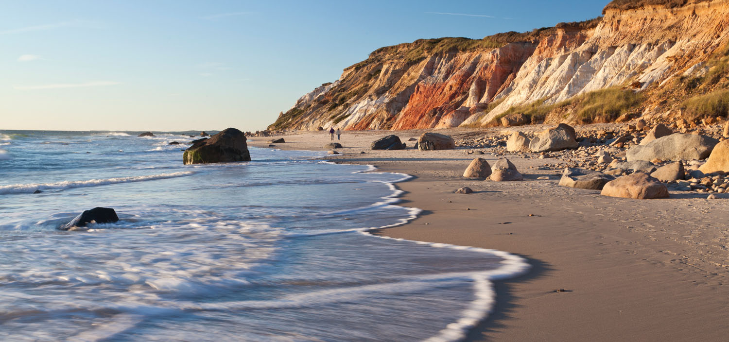 The beaches and waves of the USA are best discovered on a North America yacht charter with Fraser