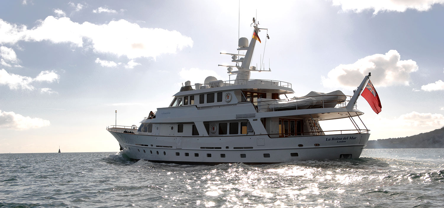 High-quality vessels from Dutch shipbuilder Hakvoort Yachts for sale from Fraser