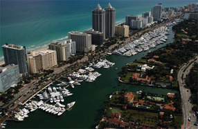 Miami-boat-show-luxury-yacht-sales