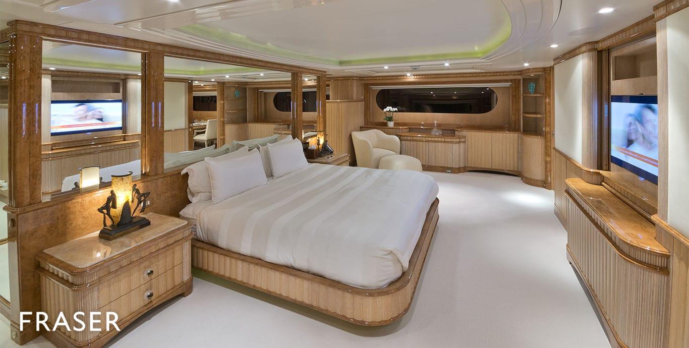 LUMIERE yacht