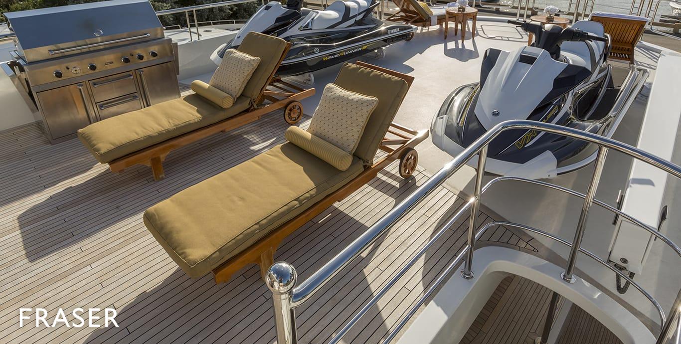 STATUS QUO yacht